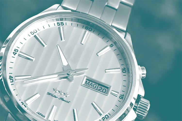 zoom sur une montre haut de gamme